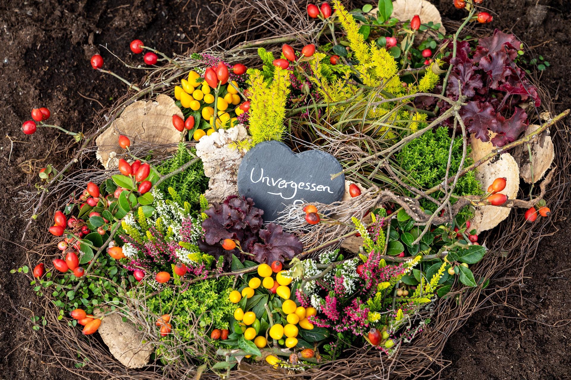 Gärtnerei Schunke –Herbstliche Grabgestaltung